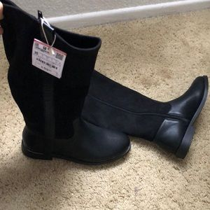 Brand new Zara boots.fits size 4.5 women or 3 kids